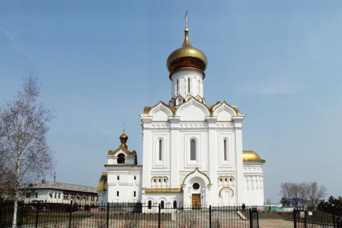 hram-prepodobnomuchenitsy-velikoj-knyagini-elisavety-700x466