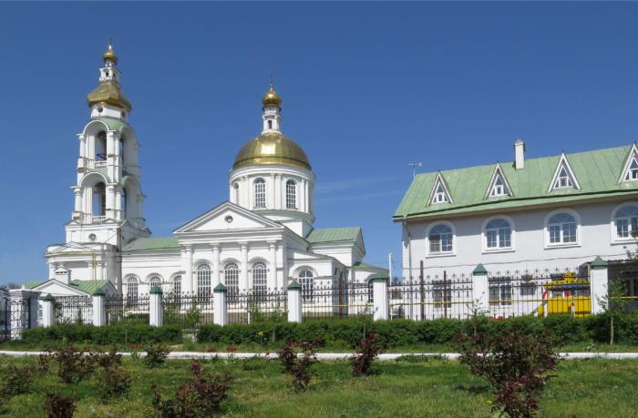 hram-prepoloveniya-pyatidesyatnitsy-700x459
