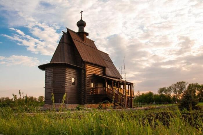 hram-sergiya-radonezhskogo-1-700x466