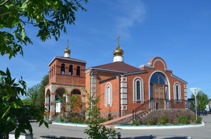 hram-svyashhennomuchenika-iosifa-astrahanskogo-700x464