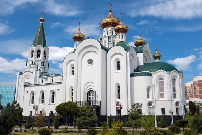 hram-svyatogo-duha-700x467