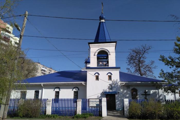 hram-tsarstvennyh-muchenikov-700x467