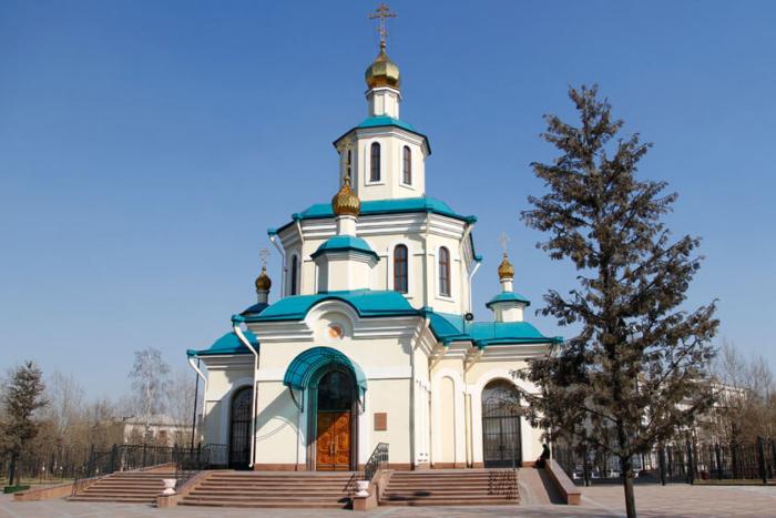 hram-very-nadezhdy-lyubovi-i-materi-ih-sofii-1-700x467