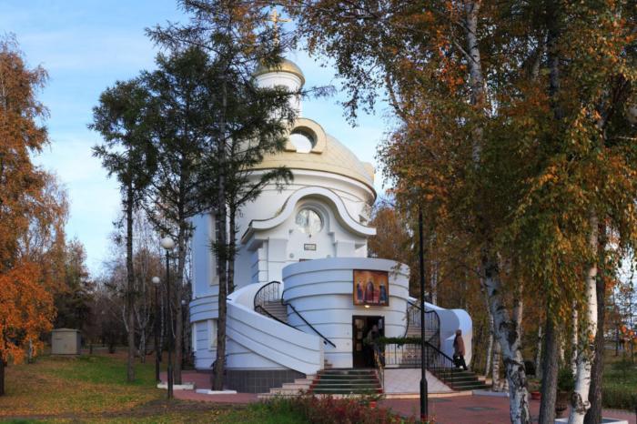 hram-very-nadezhdy-lyubovi-i-materi-ih-sofii-700x466