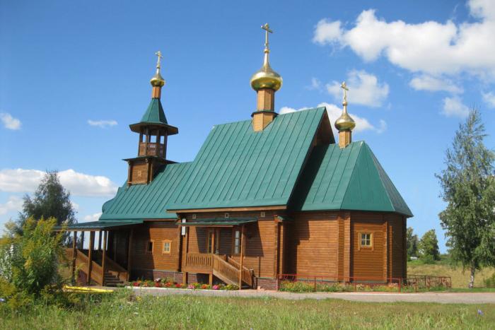 hram-vo-imya-svyatogo-knyazya-igorya-chernigovskogo-700x467