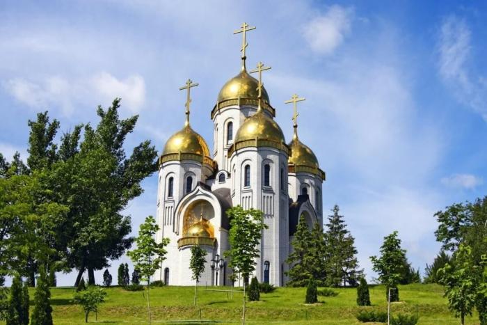 hram-vseh-svyatyh-na-mamaevom-kurgane-700x467