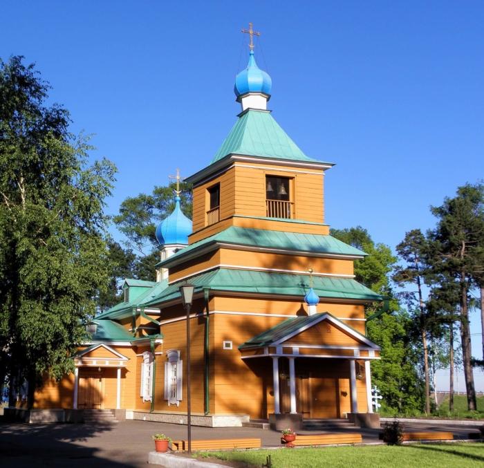 mihailo-arhangelskij-hram-700x677