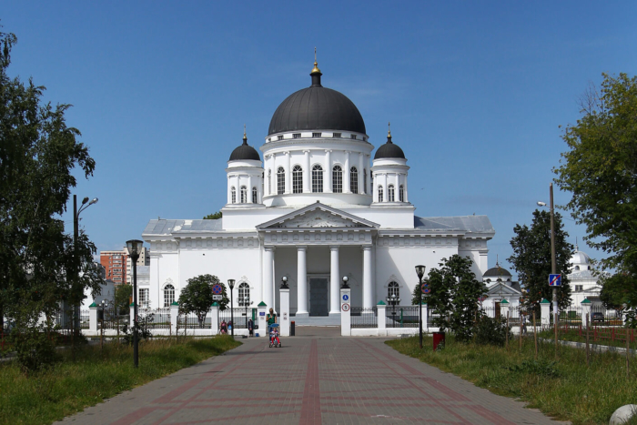 spasskij-staroyarmarochnyj-sobor-700x467