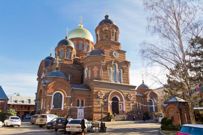 svyato-ekaterininskij-kafedralnyj-sobor-700x467
