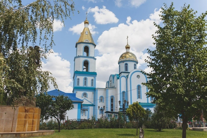 svyato-pokrovskij-hram-700x467