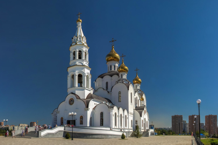 svyato-troitskij-sobor-iverskij-zhenskij-monastyr-700x467