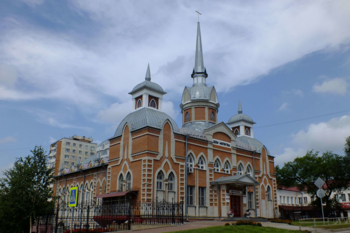 tserkov-evangelskih-hristian-baptistov-700x467