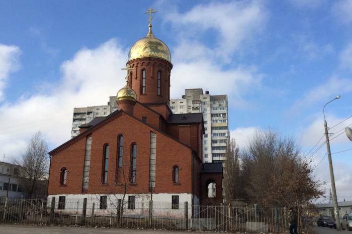 tserkov-ikony-bozhiej-materi-znamenie-700x466