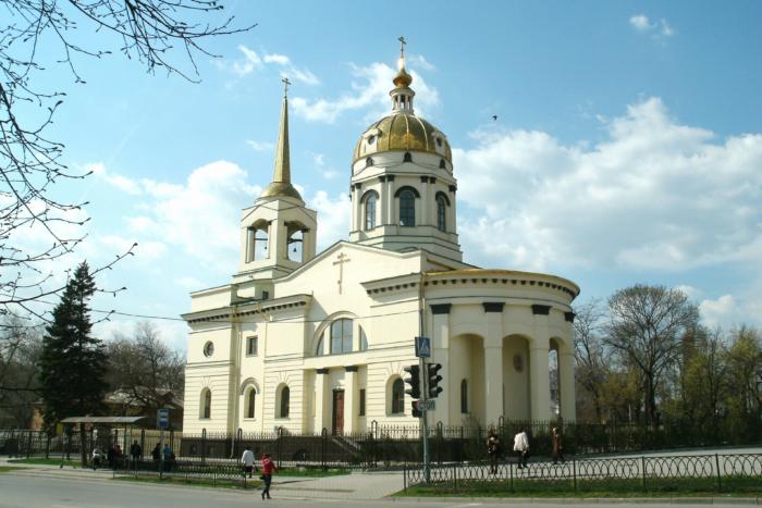 tserkov-ioanna-kronshtadtskogo-700x467
