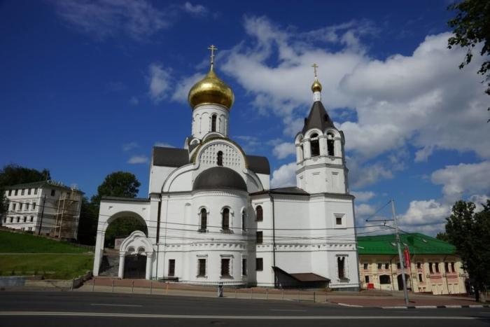 tserkov-kazanskoj-ikony-bozhiej-materi-700x467