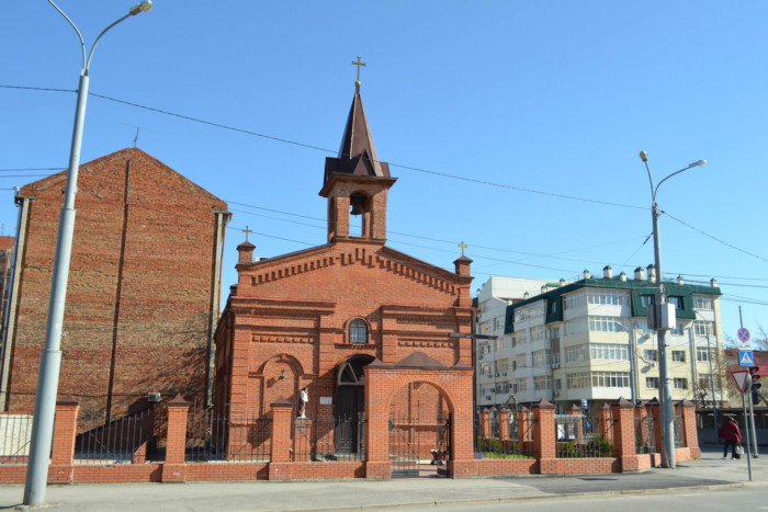 tserkov-svyatogo-iosifa-obruchnika-700x467
