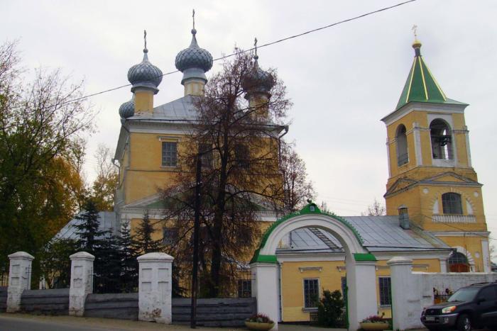 tserkov-troitsy-zhivonachalnoj-v-vysokovo-700x467