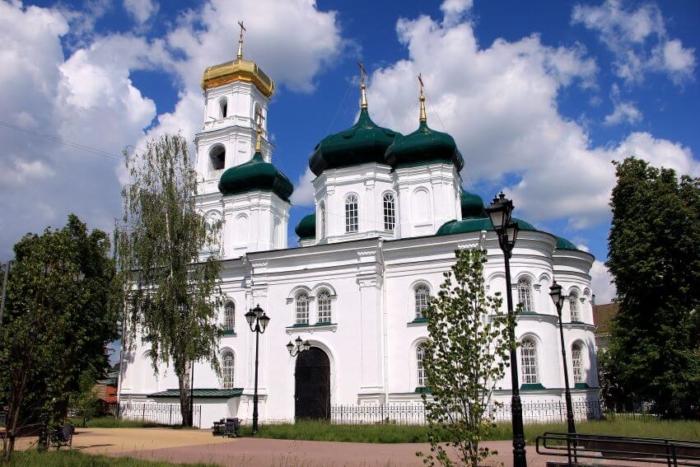 tserkov-v-chest-vozneseniya-gospodnya-700x467