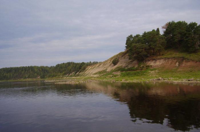 geologicheskoe-obnazhenie-u-derevni-ozerki-700x461