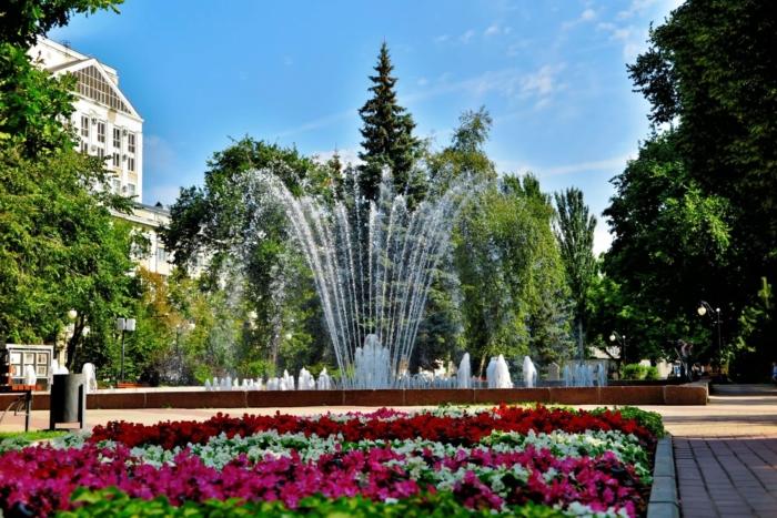 koltsovskii-skver-700x467