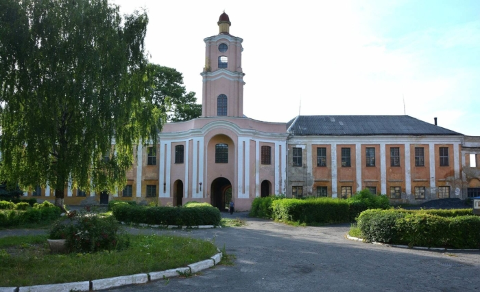 olytskiy-zamok-700x427