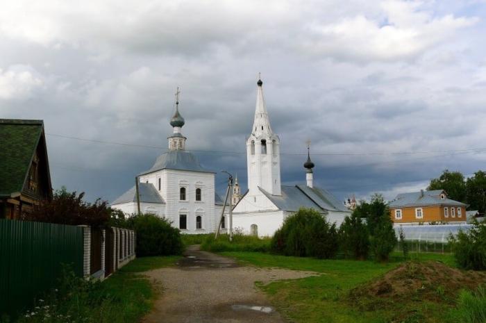 bogoyavlenskaya-i-rozhdestvenskaya-tserkvi-700x465