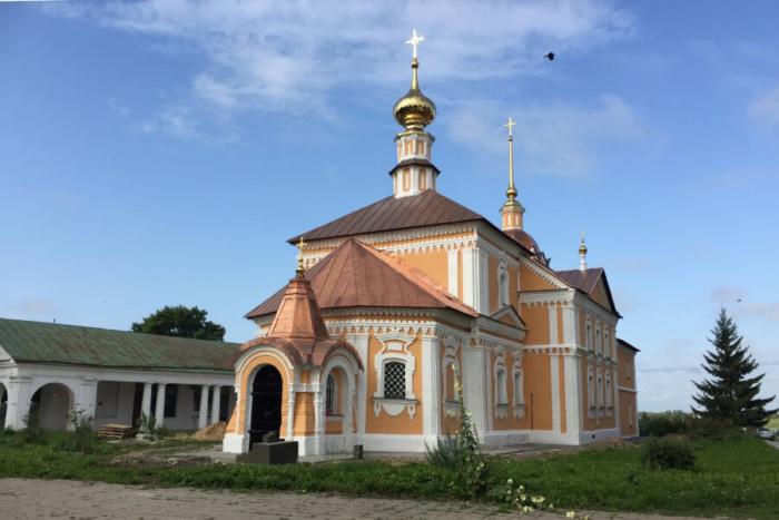 kresto-nikolskaya-tserkov-700x467