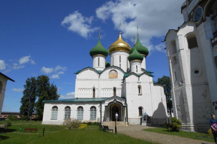 spaso-preobrazhenskiy-sobor-700x466