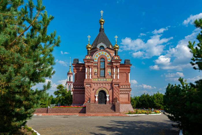 tserkov-aleksandra-nevskogo-700x467