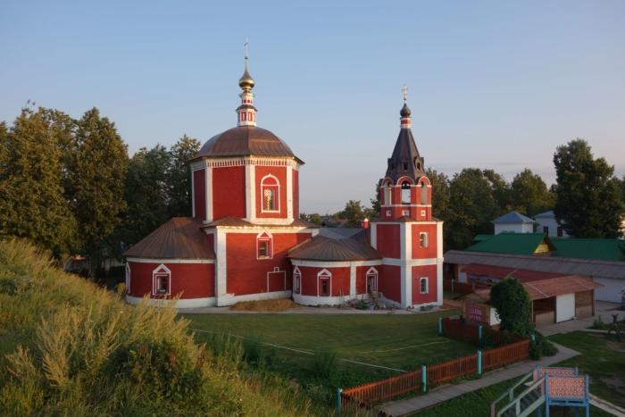 uspenskaya-tserkov-700x467