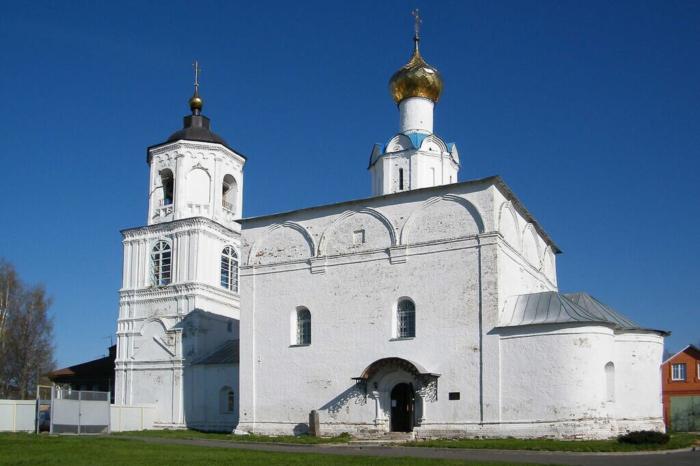 vasilevskiy-sobor-700x466