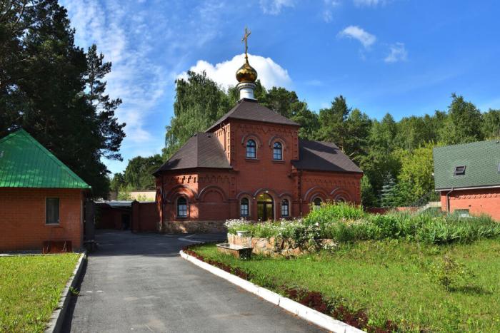 hram-chudotvortsa-nikolaya-700x467