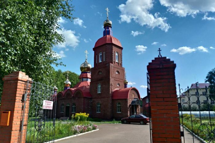 hram-georgiya-pobedonostsa-700x466