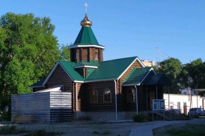 hram-matrony-moskovskoi--700x466