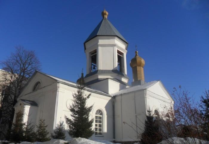 hram-mitrofana-voronezhskogo-700x484