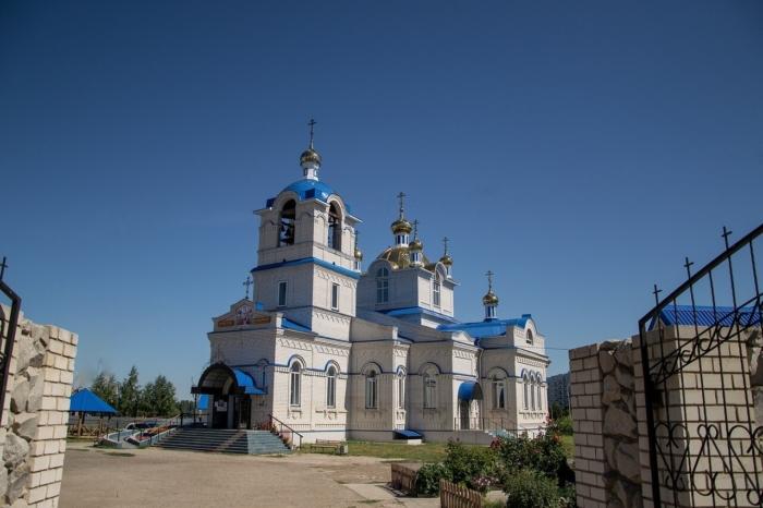 hram-nikolaya-chudotvortsa-700x466