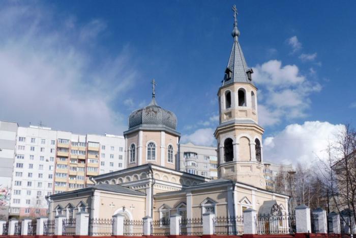 hram-paraskevy-pyatnitsy-700x467