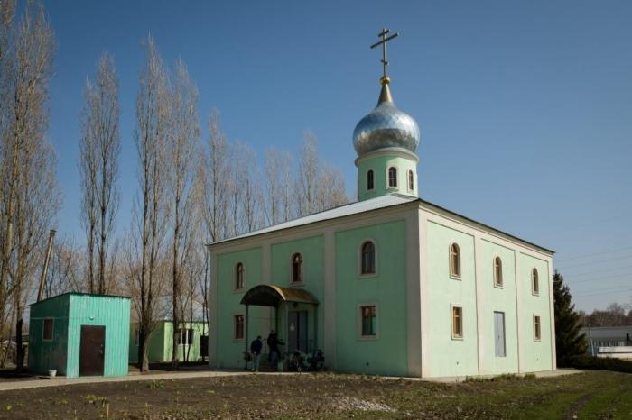 hram-pimena-ugreshskogo-700x466