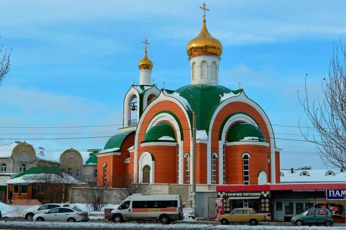 hram-sergiya-radonezhskogo-700x466