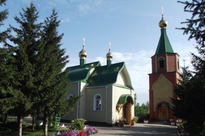hram-vseh-svyatyh-sibirskih-700x466