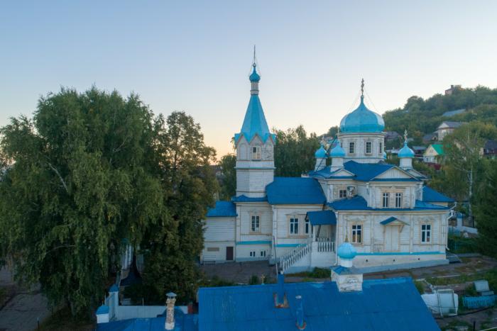 krestovozdvizhenskii-hram-700x467