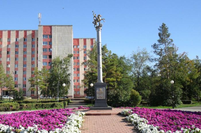 pamyatnik-doblestnym-sovetskim-voinam-otstoyavshim-mir-700x466