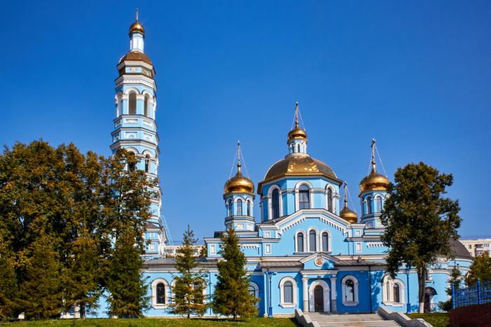 sobor-rozhdestva-bogoroditsy-700x467