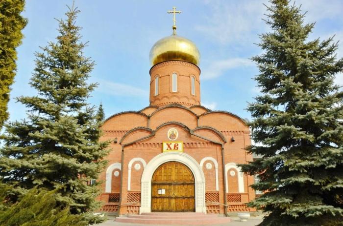 vladimirskaya-tserkov-700x463