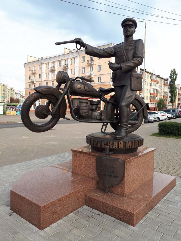 100-let-belorusskoi-militsii-700x933