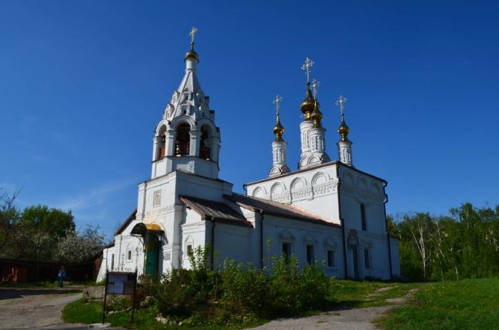 blagoveschenskaya-tserkov-700x464