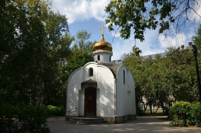 chasovnya-pokrova-presvyatoi-bogoroditsy-700x464