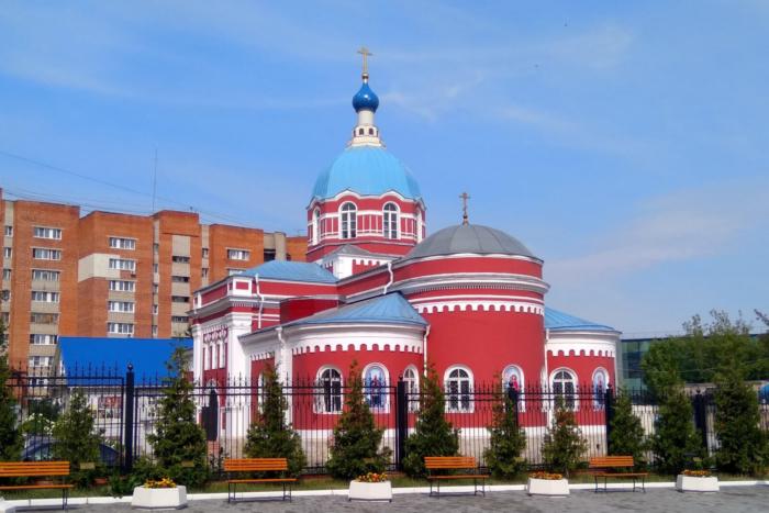 hram-aleksandra-nevskogo-1-700x467