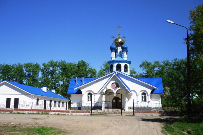 hram-blagovescheniya-presvyatoi-bogoroditsy-700x466