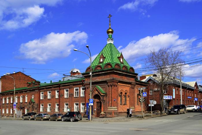 hram-chasovnya-stefana-velikopermskogo-700x467